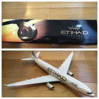 Etihad Airways Airbus A330 scale 1/200 (model plane/ Airplane model)