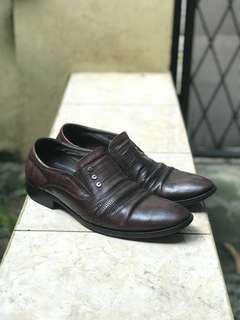 Pierre Cardin Brown Leather Shoes