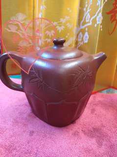 茗茶坊 :正宗宜興紫砂壺(大紅袍)