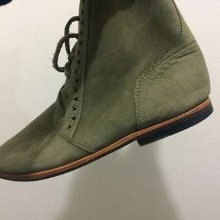 Mere khaki genuine leather shoes