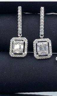 Diamond earrings in hk setting