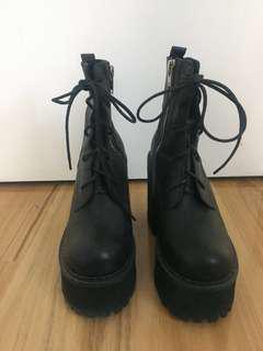 UNIF Choke Boot Size 9 Brand New
