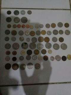 Dollar lama dari macam macam negara termasuk Indonesia.