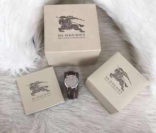Burberry jam tangan