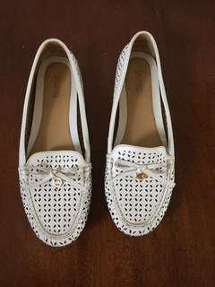 MICHAEL MICHAEL KORS Women White Laser Cut Leather Moccasin Loafers Size 9M