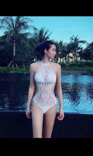 🚚 白色超仙鏤空泳衣
