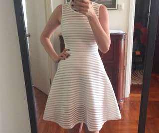白色A字氣質連身裙