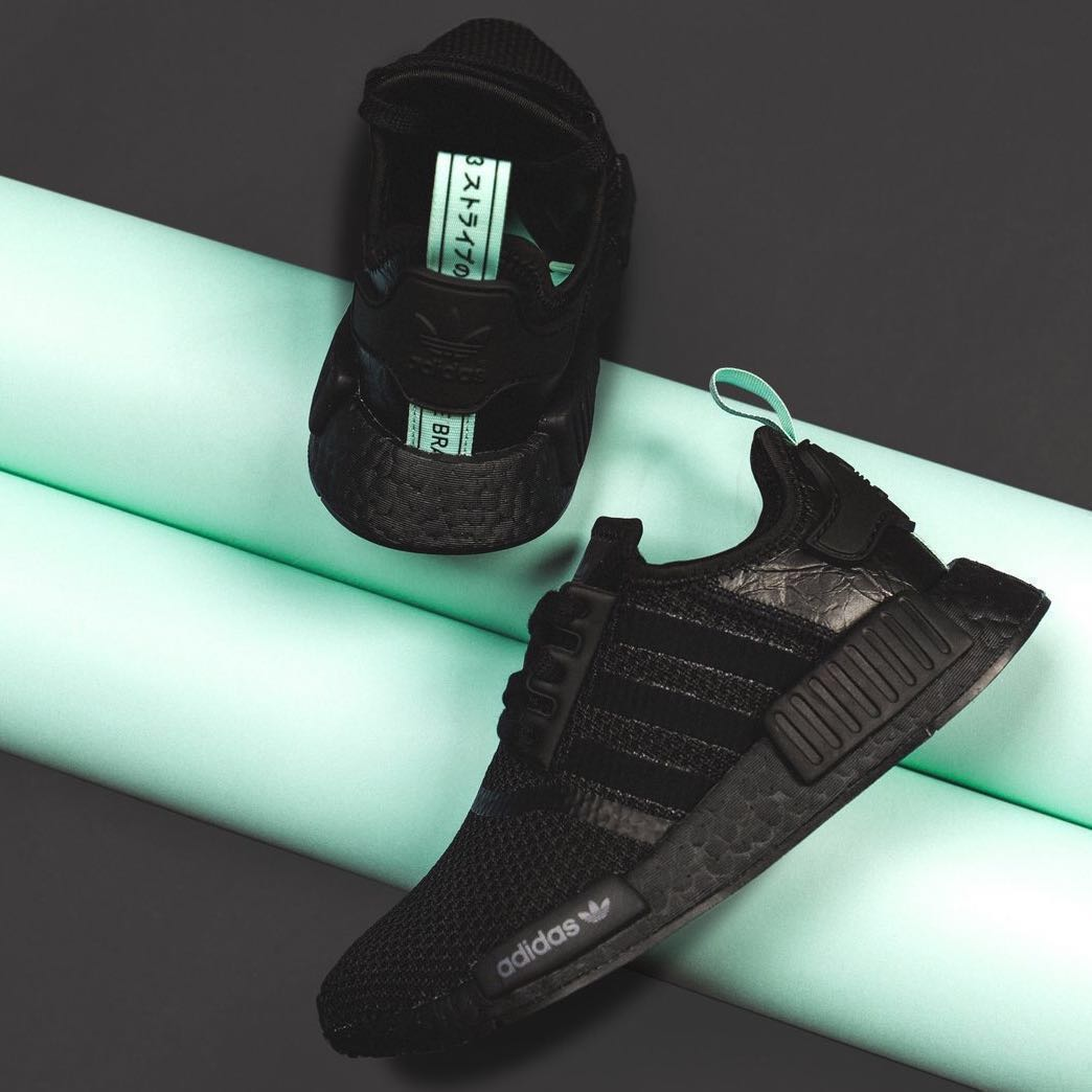 "67254577634 Adidas NMD R1 Black Mint ""Tiffany"" (W)"