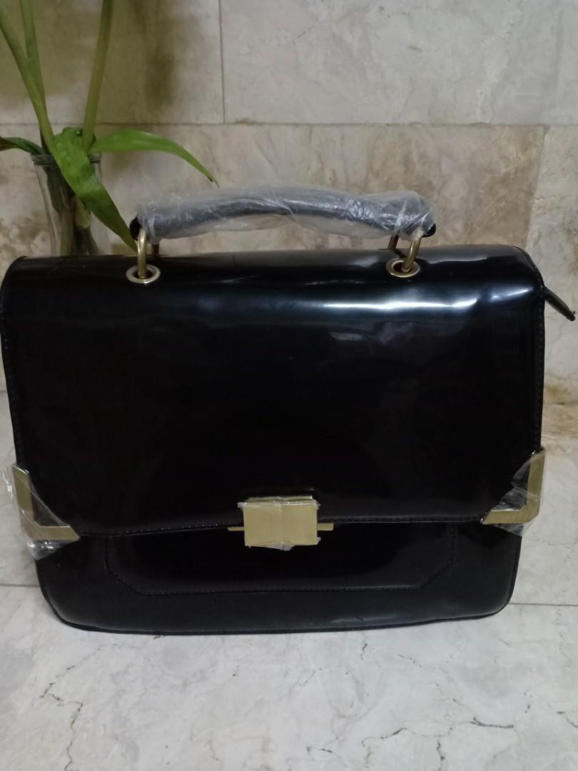 b2e2034ffd1 REPRICED! ALDO Black Glossy Bag, Women's Fashion, Bags & Wallets on ...