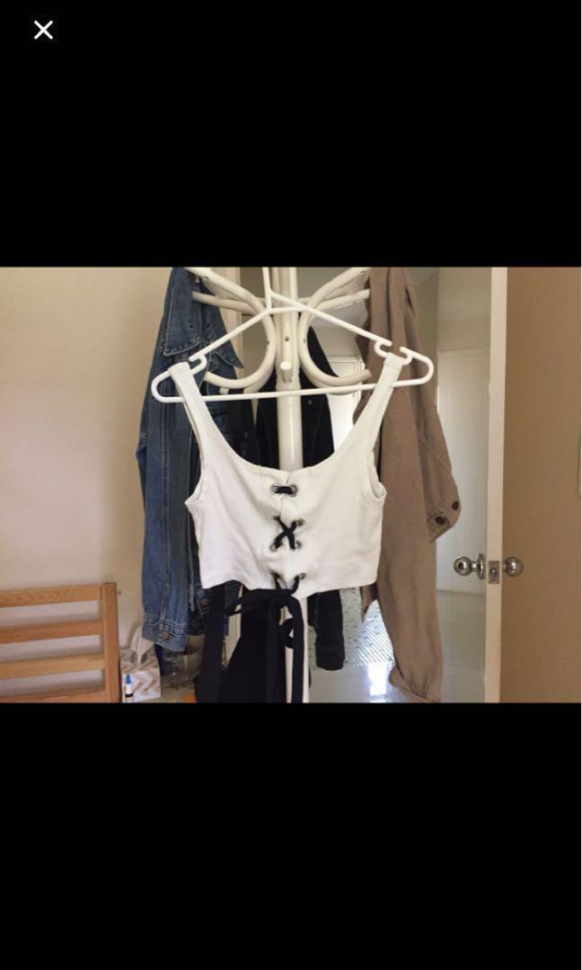 Princess Polly // Beginning Boutique// Glassons // Levi's // General Pants & Co // Kookai // Bardot // Must Have // Sportsgirl