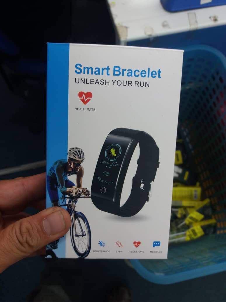 SMART BRACELET unleash your run  ☺️👍🏻#abubaq