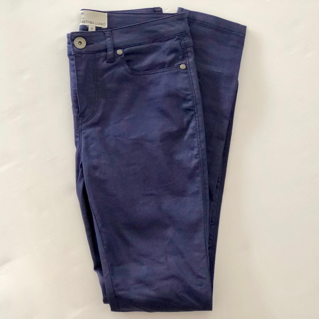"T by Bettina Liano Pants Size 6 / 34"""