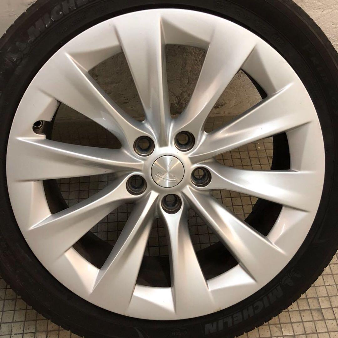 """Tesla 19"""" Wheels with Tire"""