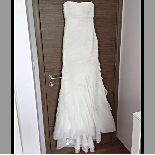 538b4fc949f49 Vera wang bridal gown, Women's Fashion, Clothes, Dresses & Skirts on ...