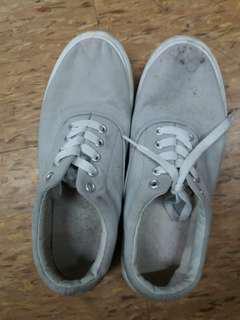 🚚 Sneakershoes