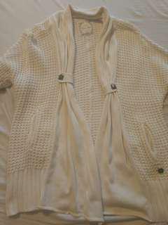 Guess Off White Quarter Sleeve Sweater - Medium