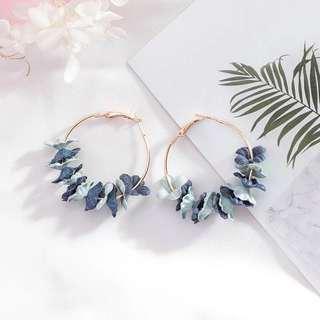 🚚 Jenn Floral Hoop Earrings in Pastel Blue