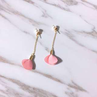 🚚 Dainty Tassel Earring with Pink Petals and Pearls