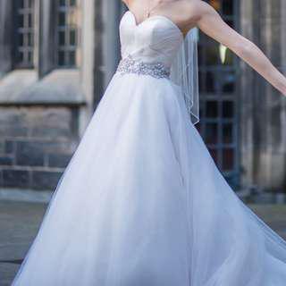 Ball Gown Wedding Dress w/ Veil (Sweetheart Neckline)