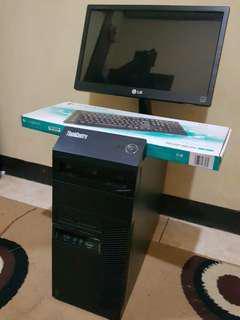 PC LENOVO fullset monitor+keyboard+mouse(Logitech)