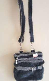 Tas wool salempang dan pinggang