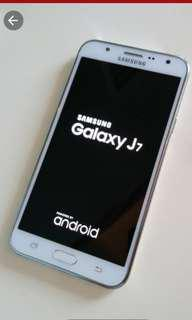 Samsung galaxy J7. J700N0 90%new