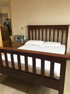 Kerangka tempat tidur kayu jati
