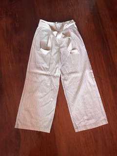 Uniqlo wide legged pants