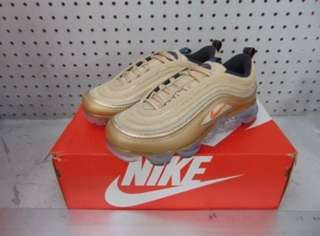 New in box- Gold Nike vapour max 97 SIZE 8.5