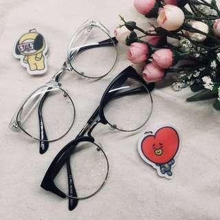 [ins] upper framed glasses