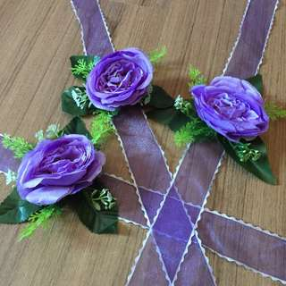 Hand corsages (purple)