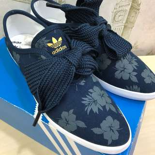 🆕Authentic Adidas Relace Flower