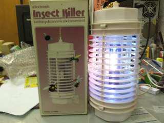 滅蚊燈 electronic insect killer