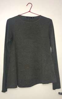 * Boohoo Size 8 (Would fit 8-12) Dark Grey Long Sleeved Super Flattering Top *