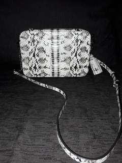BIG SALE 🤗Crossbodies MD camera bag