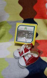 Preloved baby prewalker shoes freddie the frog