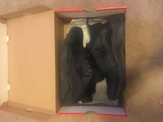 Nike Black huarache size 9.5 10/10 condition