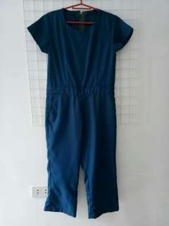 Bluegreen pantsuit or jumpsuit