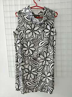 Celine black and white sleeveless floral top