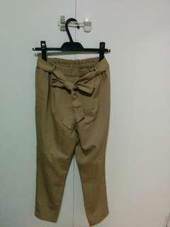 Cropped pants size: s but fits m