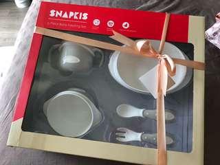 Snapkis feeding set