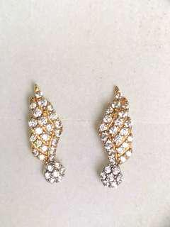 18k Dazzling Diamonds Earrings