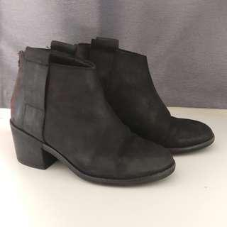 Black Topshop Leather Heeled Boots | Size 6 EU37 |