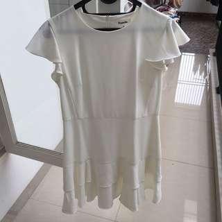 Flounce sleeve layered dress