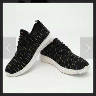 Sepatu Sneakers Wanita Murah
