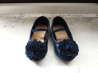 Old navy blue flower