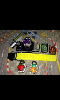 (URGENT) DX SENGOKU DRIVER AND 3 FACEPLATES AND 3 LOCKSEEDS (PINE IS REPLACED WITH ICHIGOU.)
