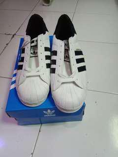 Sepatu adidas superstar pria