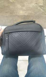 Sling bag black mate