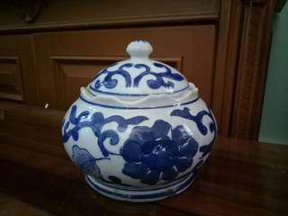 Guci Keramik Biru